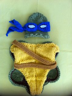 Halloween Ninja Turtle outfit - hat and cocoon, perfect newborn photo prop and Halloween costume. $65.00, via Etsy.