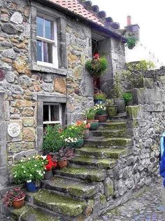 25 Beautiful Stone House Design Ideas on A Budget - Building & Architecture - Stone Cottages, Stone Houses, Country Cottages, Beautiful Homes, Beautiful Places, Stairways, Old Houses, Countryside, Scenery