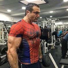Gym Workout: How to Get Big Arms in 2 Weeks Muscle Fitness, Mens Fitness, Fitness Tips, Fitness Motivation, Get Bigger Arms, How To Get Bigger, Bodybuilding Workouts, Bodybuilding Motivation, Biceps Workout