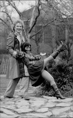 Nicola Bryant and the Fifth Doctor, Colin Baker. Doctor Who Assistants, Colin Baker, Celebrity Boots, Doctor Who Companions, Blake Lively Style, Classic Doctor Who, Jacqueline Bisset, David Tennant Doctor Who, Doctor Who Quotes