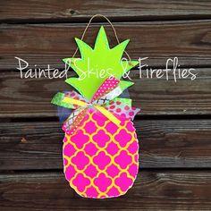 Summer Door Hanger / Pineapple / Wooden Door by paintedskyfirefly