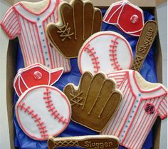 I love this picture detailing patterns, trim colors for Baseball Cookies. This will be great to use as a guide.(Kj-chg colors to NYY colors for daddy when he played pro ball w/mm-this would be a great honor/tribute for his bday this summer! Iced Cookies, Cute Cookies, Cupcake Cookies, Sugar Cookies, Crazy Cookies, Cupcakes, Cookie Frosting, Royal Icing Cookies, Baseball Cookies