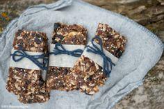South Dakota Food Blueberry Cacao Energy Bars  |  Wholesome Magazine #wholesomesd #southdakota