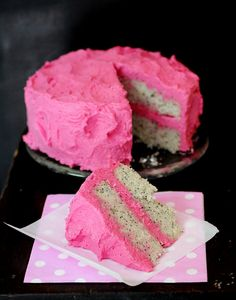 Lemon poppy seed cake with PINK buttercream frosting <3