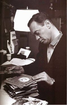 May 1960 - American DJ Alan Freed was indicted along with seven others for accepting dollars in payola from six record companies. Two years later, he was convicted and given a suspended sentence and a 300 dollar fine. Alan Freed, American Bandstand, Record Company, Classic Tv, Cover Photos, Rock N Roll, My Music, Pop Culture, Dj