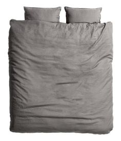 King/Queen Linen Duvet Set $99 DESCRIPTION PREMIUM QUALITY. Duvet cover set in washed linen with double-stitched seams at edges. Duvet cover fastens at foot end with concealed metal snap fasteners. Two pillowcases. Thread count 104. Tumble-drying will help keep linen soft.  In white, please.
