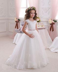 2016 Hot White Flower Girl Dresses for Weddings Lovely Lace Bow Girls Pageant Dresses First Communion Dresses for Little Girls