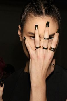 nais, metalic, golden, trendy, trend, unhas, metalico, fashion, moda, tendencia, inspiration, inspiração, nail art