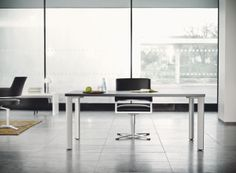 Brunner tempus chair on a state table. Find out more about the sophisticated modular system state: http://www.brunner-group.com/en/products/products-alphabetically/state.html