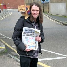 VIDEO: Street Cat Bob causes tail-backs in Staines - News - getsurrey