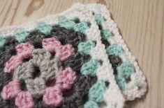 Amalian blogi: Askartelu Amalian joulukalenteri 2015, Luukku 16: Tossut isöäidinneliöistä Blanket, Crochet, Ganchillo, Blankets, Cover, Crocheting, Comforters, Knits, Chrochet