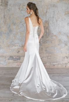 Wedding Dresses for Bridesmaids Find amazing wedding dresses collection on our store. Disney Wedding Dresses, Wedding Bridesmaid Dresses, Boho Wedding Dress, Designer Wedding Dresses, Tulle Wedding, Mermaid Wedding, Wedding Hair, Wedding Decor, Wedding Stuff