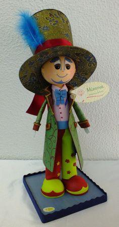 Ha llegado el momento de enseñaros mi último trabajo, una réplica de un Gran Carnavalero Peñarriblense!! Espero que os guste :)