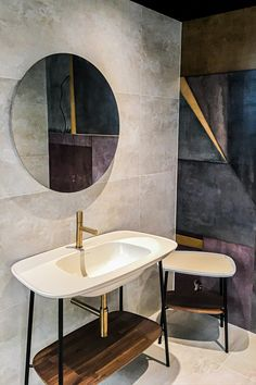Are you looking for a unique bathroom? ✨ Come and discover our exclusive collections in our new showroom in the heart of Paris. Hundreds of materials, designs and colors to create a space in your image. ➡️ Make an appointment today in your showroom! Villa Design, House Design, Playa Den Bossa, Appartement Design, Apartment Interior Design, Bathroom Inspiration, Architecture Design, Sweet Home, New Homes