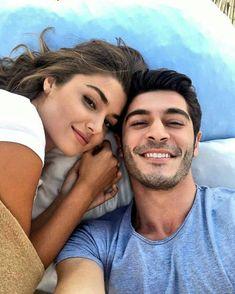 Hande Erçel et Burak Deniz dans une nouvelle série ! Love Couple Images, Cute Love Couple, Girl Couple, Couples Images, Couples In Love, Romantic Couples, Best Couple, Beautiful Couple, Murat And Hayat Pics