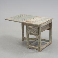 TABLE, Swedish, folk art (allmoge), early 19th century, Hammerdal, Jämtland, length 44-107 cm, width 75 cm, height 72 cm. CONDITION REPORT: Wear. Marks, loss of colour, repairs.