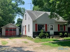 GREAT HOME FOR INVESTOR OR A FLIP HOME. AWESOME LOCATION CLOSE TO SCHOOL. HOUSE NEEDS SOME TLC. FULL BASEMENT FOR STORAGE. LARGE FENCED-IN YARD. DETACHED GARAGE FOR THE TOYS. SET YOUR APPOINTMENT UP TODAY.