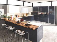 Mutfağa ışıltı ile gelen estetik - HOME SHOWROOM  Modern mutfak tasarımları ile de adından söz ettiren Vanucci, yeni koleksiyonunda zarif ve ışıltılı bir görselliğin farklı yorumlarını hayata geçiriyor. Hemen her beğeniye seslenen çeşitlilik, değişik ebatlarda mutfaklarda uygulanmaya olanak veren modüler yapı, ergonomik tasarım ve işlevsellik; markanın 2014 koleksiyonunda…