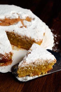 Torta Santiago con mandorle senza farina burro olio vickyart arte in cucina ✫♦๏༺✿༻☘‿MO Jun ‿❀🎄✫🍃🌹🍃🔷️❁✿~⊱✿ღ~❥༺✿༻🌺♛༺ ♡⊰~♥⛩⚘☮️❋ Sweet Recipes, Cake Recipes, Dessert Recipes, Italian Desserts, Italian Recipes, Italian Dishes, Sweets Cake, Cupcake Cakes, Tortilla Sana