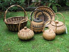 A selection of baskets from Papua New Guinea. The rear 2 from Mendi, the 4 smaller from Bourgainville (Buka)
