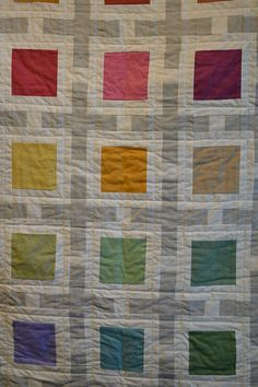 Modern quilt - ooh that's so pretty, quilts usually look so crazy to me, but this one is beautifully calm