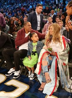 Pregnant Beyonce Jay Z and Blue Ivy at the 2017 NBA All-Star Game