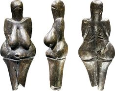 Venus of Dolní Věstonice - a ceramic statuette of a nude female figure dated to BCE which was found at a Paleolithic site in the Moravian basin south of Brno. Ancient Goddesses, Gods And Goddesses, Venus, Paleolithic Art, Mother Goddess, Sacred Feminine, Ceramic Figures, Ancient Artifacts, Abstract Sculpture