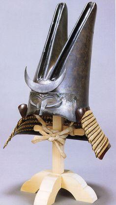 Uesugi Kenshin - Silver leaf rabbit eared kabuto. Samurai Helmet, Samurai Weapons, Samurai Swords, Japanese Warrior, Japanese Sword, Arm Armor, Body Armor, Japanese History, Japanese Art