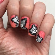 Matte Teddy Bear Nails. Click on the picture to get to the tutorial! #mattenails #mattenailart #teddybear #teddybearnails #teddybearnailart #sallyhansen #sallyhansenca #acrylicpaint #notd #manimonday #nailtutorial #nails #nailart