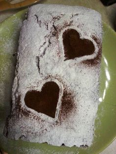 Guess what? I kept making pound cakes, since the last time we talked! Exciting, isn't it?? I know not so much, haha. Still, I've made another tasty cake for you! This one has banana,cocoa and a sub...