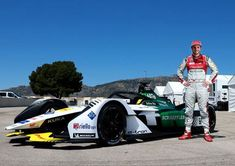 Daniel Abt und der neue Audi etron FE05 Foto:Audi Communications Motorsport / Michael Kunkel