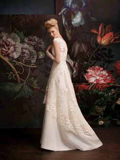 A-line wedding dress looks good on every woman, regardless of her shape, size or age...