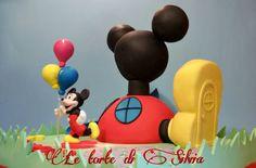 """Torta """"Casa di Topolino"""" inviata da Silvia Borrotzu alla nostra App per smartphone. Clicca e scarica anche tu la nostra App e inviaci le foto delle tue torte e le tue ricette."""
