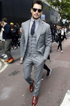Custom made Mens Light Grey Suits Jacket Pants Formal Dress Men Suit Set men wedding suits groom tuxedos(jacket+pants+vest+tie)) anzug Mode Masculine, David Gandy Suit, David Gandy Style, Terno Slim, Costume Gris, Light Grey Suits, Grey Suit Men, Men's Grey Suits, Grey Wedding Suits For Men