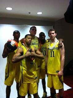 Michigan Basketball: The starting five are ready to go.