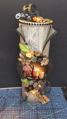 Mijn kaartenwereld: Pringless bus Decoupage Jars, Pringles Can, Altered Art, Candle Holders, Fancy, Candles, Table Decorations, Canning, Diy