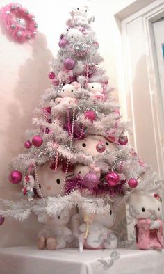 Hello Kitty Christmas Tree | my friend, Tartan Kawaii . She made this Hello Kitty Christmas tree ...