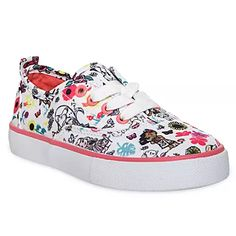 She'll be walking in the clouds wearing these dreamy canvas lace-up sneakers with an allover Disney Animators' Collection print pattern featuring Tinker Bell, Aurora, Pocahontas, and Moana. Baby Girl Shoes, Kid Shoes, Girls Shoes, Disney Shoes, Disney Outfits, Couple Halloween Costumes For Adults, Couple Costumes, Disney Costumes, Adult Costumes