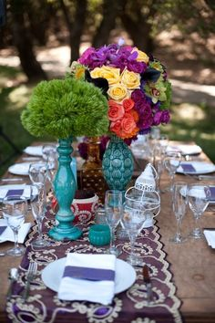 Nevermind the Tableclothes, just put as many Flowers as you can!