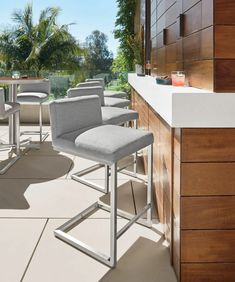 Room & Board - Finn Outdoor Stool - Montego Counter Table with Finn Stools - Modern Outdoor Furniture Outdoor Bar Table, Outdoor Stools, Outdoor Dining, Outdoor Spaces, Singer Sewing Tables, Rooftop Design, Counter Bar Stools, Modern Outdoor Furniture, Modern Bar Stools