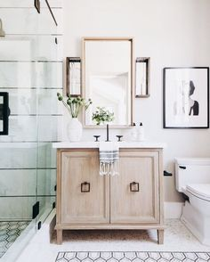 If you have a small bathroom in your home, don't be confuse to change to make it look larger. Not only small bathroom, but also the largest bathrooms have their problems and design flaws. Bathroom Interior Design, Home Interior, Decor Interior Design, Interior Decorating, Decorating Ideas, Decorating Websites, Interior Ideas, Interior Office, Scandinavian Interior