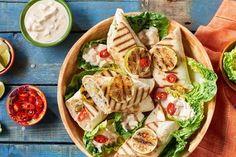 Zobacz najnowszy przepis Karola Okrasy na tortillę z kurczakiem i salsą z pieczonej papryki! Przepis znajdziesz na stronie Kuchni Lidla!