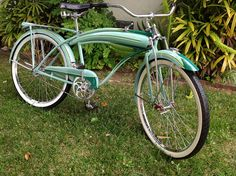1940 Huffman Champion Bike Components, Lowrider Bike, Cruiser Bicycle, Mode Of Transport, Old Bikes, Cool Bicycles, Bicycle Design, Super Bikes, Vintage Bicycles