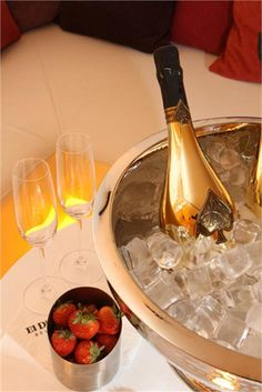Like a champagne life #strawberries #champagne #class
