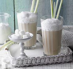 Zitronengras-Grüntee Der dezent-frische Geschmack von Zitronengras verleiht diesem grünen Tee mit Milchhaube sein besonderes Aroma.