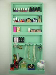 Mint green makeup and jewelry organizer door CraftersCalendar - Possible DIY idea?