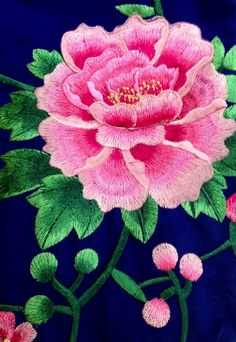 embroidered chinese peonies on fabric Mexican Embroidery, Chinese Embroidery, Silk Ribbon Embroidery, Hand Embroidery Designs, Embroidery Applique, Floral Embroidery, Embroidery Stitches, Embroidery Patterns, Thread Painting