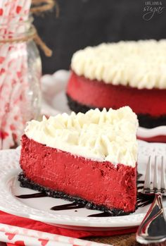 Red Velvet Cheesecake - So smooth and creamy! All the flavor and tang of red velvet cake, but in cheesecake form! Topped with Cream Cheese Whipped Cream! Red Velvet Desserts, Red Velvet Recipes, Red Velvet Cheesecake, Cheesecake Cake, Cheesecake Recipes, Velvet Cake, Tiramisu Cake, Chocolate Cheesecake, Cupcakes