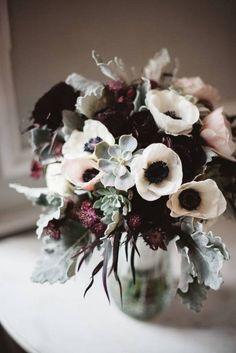 winter wedding ideas white and black peony