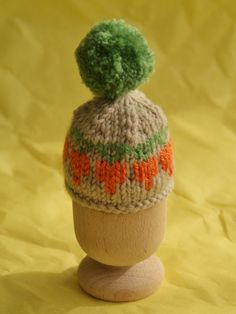 Free egg cosy pattern